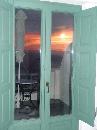 Anastasis Apartments: Sunset View from Inside the Junior Suite