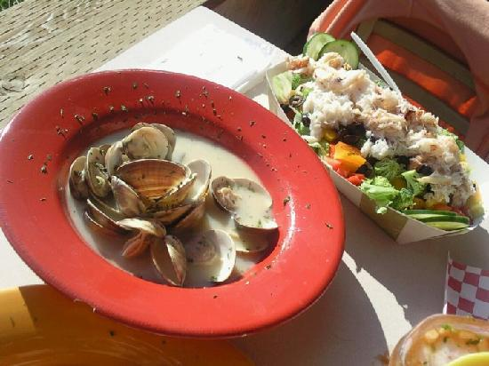 the shrimp boat deli: Steamer Clams and Crab Salad