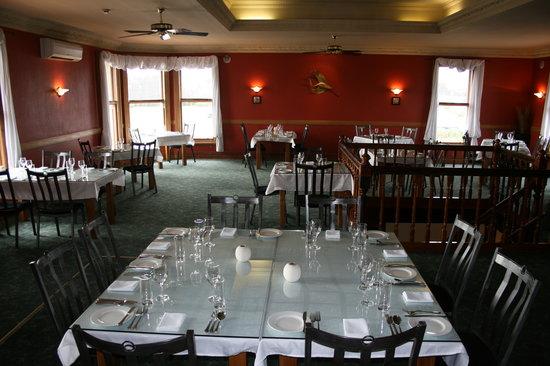 Elegance at 148 on Elles : Main Dining Area