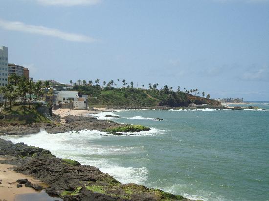 Ibis Salvador Rio Vermelho: mar próximo/sea near the hotel