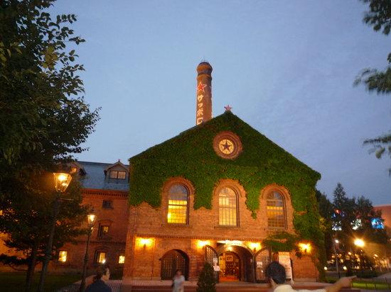 Sapporo Beer Garden: ライトアップが取っても綺麗☆