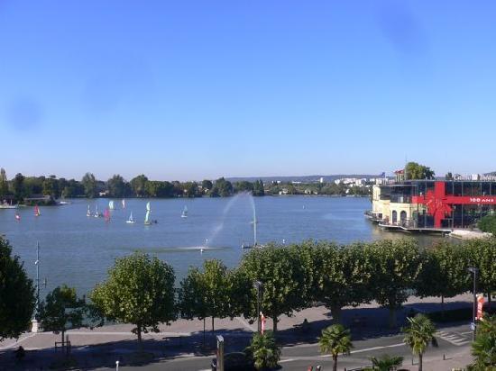Enghien Les Bains, Frankrike: Vue sur le lac2