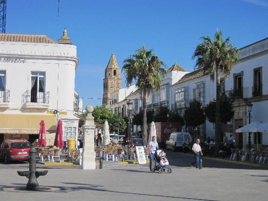 Medina-Sidonia, สเปน: Plaza de la Libertad von der anderen Seite