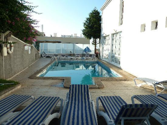 Residencial Melba: Pool
