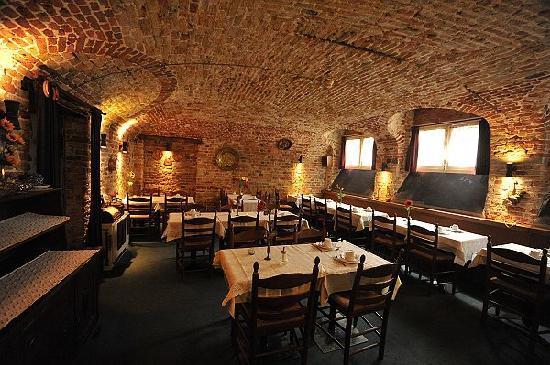 Hotel Lucca: Breakfast -14th century cellar