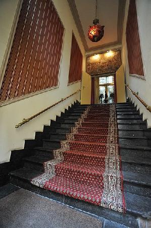 Hotel Lucca: income
