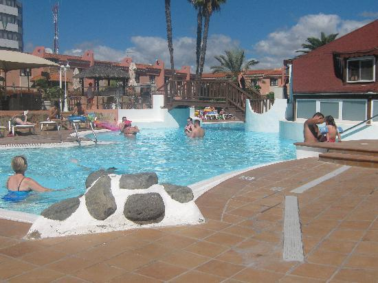 Pool view picture of jardin del sol apartments playa for Jardines del sol