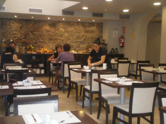 Hotel Acta BCN 40: salon desayunador