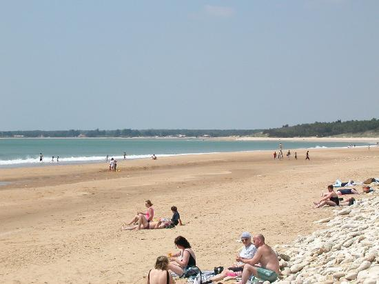 Gites in Angles : 13km of sandy beaches just 10mins away