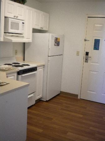 Extended Stay America - Detroit - Novi - Orchard Hill Place: nice full kitchen