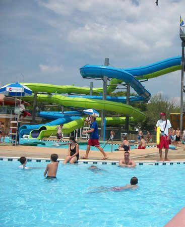 Nashville Shores Lakeside Resort: Great slides