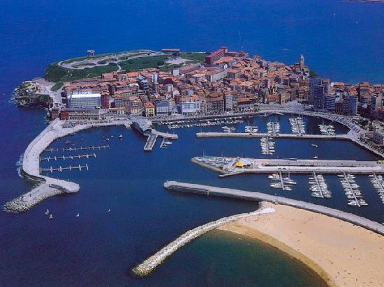 Puerto deportivo de gij n picture of asturias spain - Puerto deportivo gijon ...