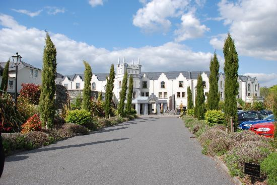 Muckross Park Hotel & Spa: Hotel entrance