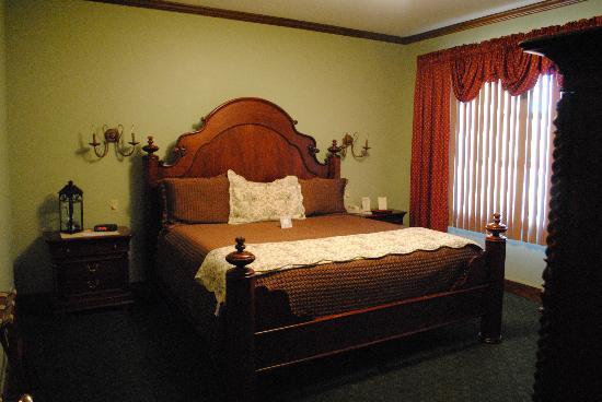 Stroudsmoor Country Inn: Ledgemere Suite bedroom