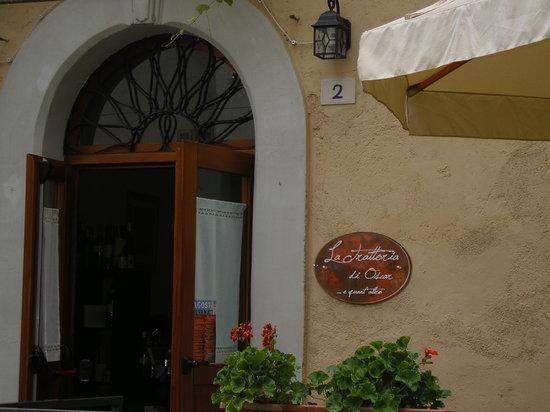 esterno1 - Picture of La Trattoria di Oscar, Bevagna ...