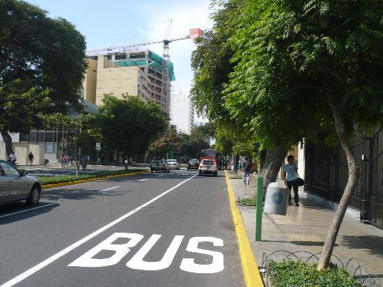 The Place of Miraflores Hostal: The Larco Av. nice street