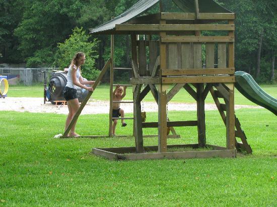 Tchefuncte Campground : My children playing at the playground