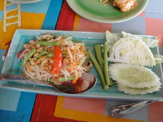 GITANO Restaurant & Love: Som tam (spicy papaya salad)