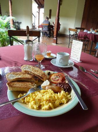 Hotel Patio del Malinche: Breakfast