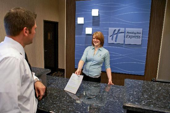 Holiday Inn Express Hotel & Suites Houston NW-Beltway 8-West Road: We have a friendly team to make your stay comfortable!