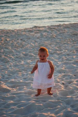 The Sandpiper Beacon Beach Resort: Baby's first trip...World's best background for pictures!
