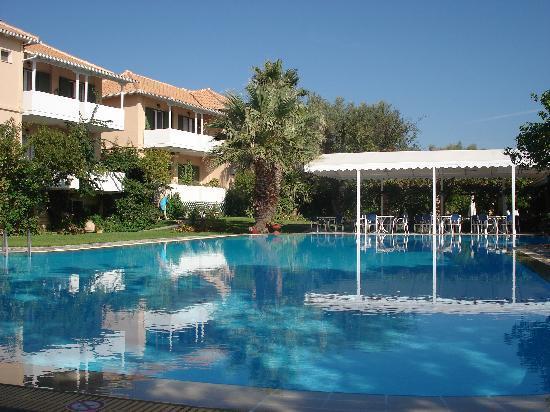 Hotel Konaki: Konaki pool