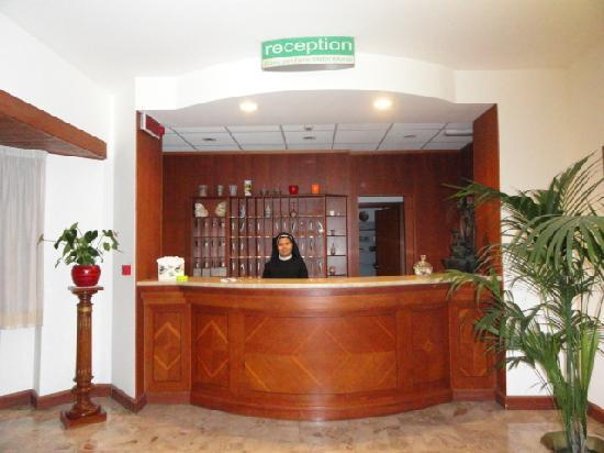 Casa per Ferie Mater Mundi: The reception area