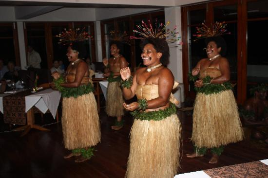 The Pearl Resort: Culture night entertainment
