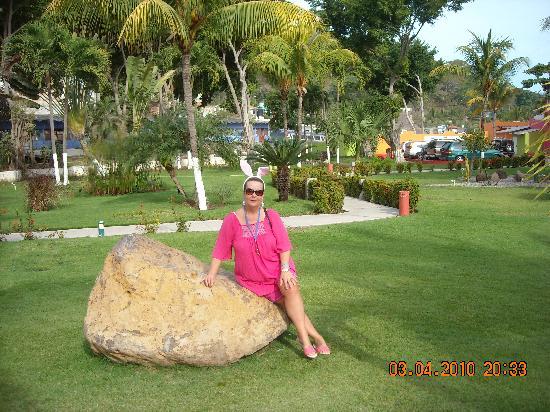 Hotel Decameron Los Cocos: Easter in the Gardens at resort