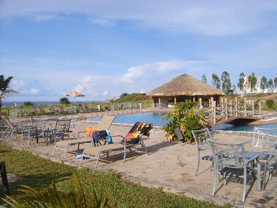 Eurobuilding Hotel & Suites Guayana: Piscine et jardin