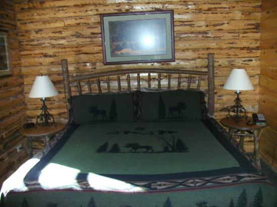 Lodges at Cresthaven: Master Bedroom