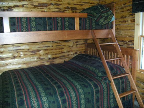 Lodges at Cresthaven: Double Bed With Bunk