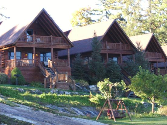 Lodges at Cresthaven: View Of Cabins