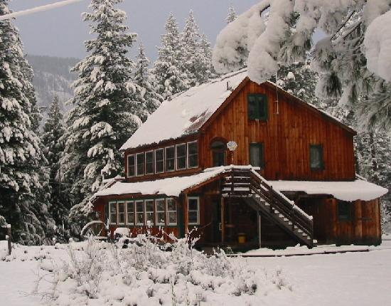 North Cascades Basecamp: Big snows make for great winter recreation