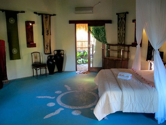Lullaby Bungalows: blue room