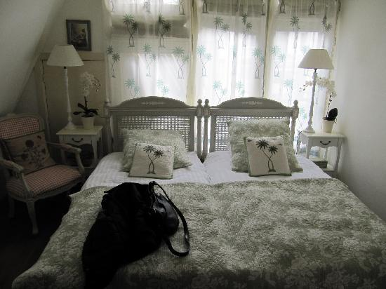Aemstelhuys Bed & Breakfast: Camera ultimo piano (tripla)