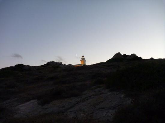 Santa Teresa Gallura, Italia: Leuchtturm am Capo Testa