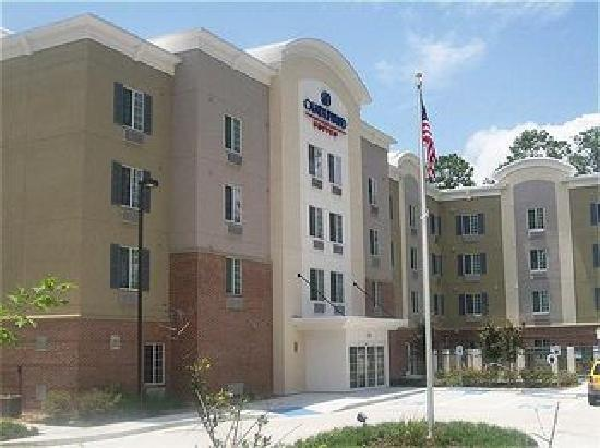 Candlewood Suites Houston, The Woodlands: Front of the Hotel