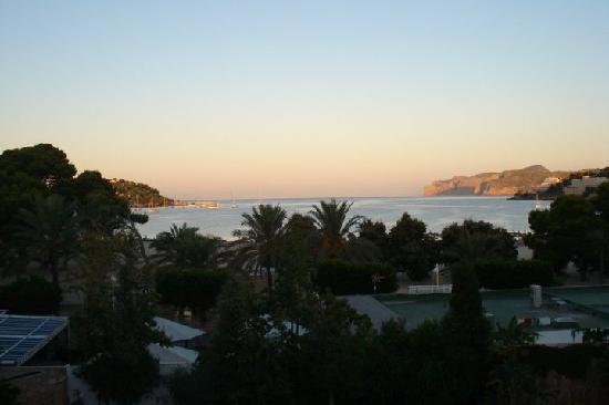 H10 Playas de Mallorca: Blick von unserem Zimmer auf die Bucht