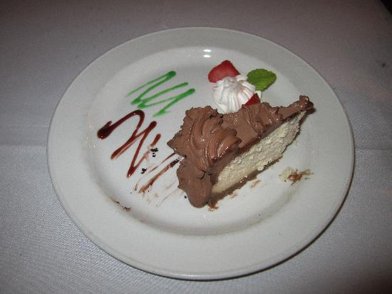 Edoardo's: Fudge Cheesecake