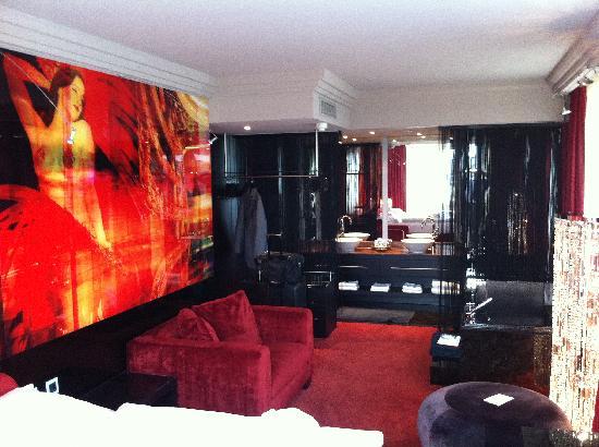 paris suite foto van savoy hotel keulen tripadvisor. Black Bedroom Furniture Sets. Home Design Ideas