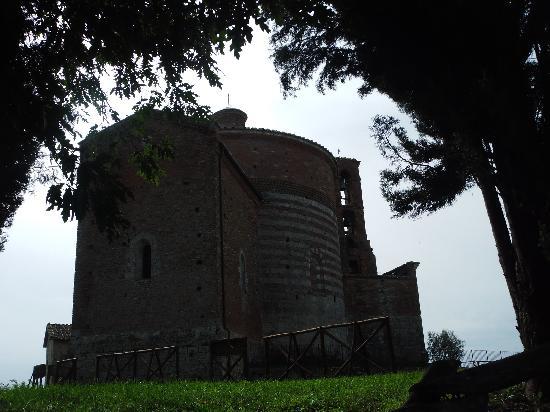 Chiusdino, Italië: Die Kapelle am Monte Siepi