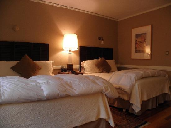 Porcupine Inn: Saranc room
