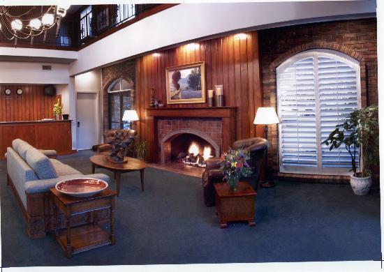 Royal Garden Inn: Lobby
