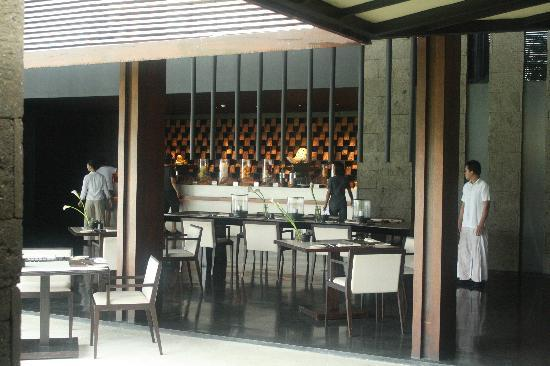 Soori Bali: Foyer