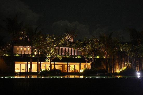 Soori Bali: Hotel bei Nacht