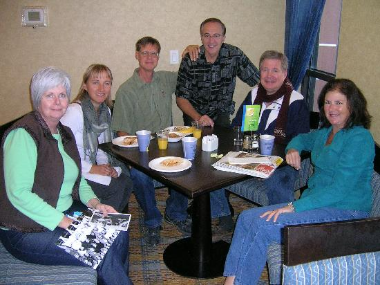 Holiday Inn Express Hotel & Suites Riverport: Group at Breakfast