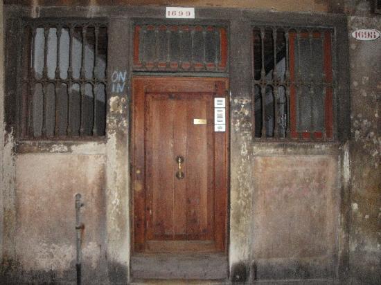 Ai Boteri: La fachada...
