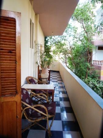 Amon Hotel Luxor: Terrasse extérieure individuelle