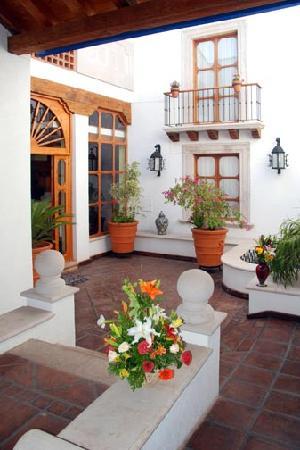 Hotel Pueblo Magico: Entrada principal